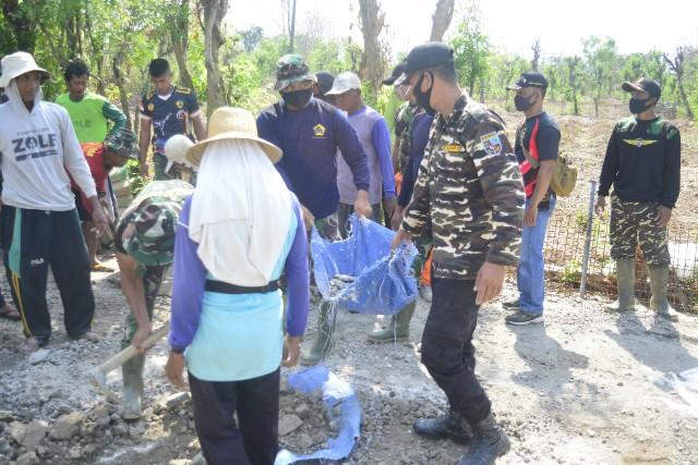 Gotong-Royong, Warisan Berharga dari Satgas Untuk Warga Desa Tebluru